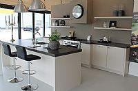 Keuken met eiland en bar