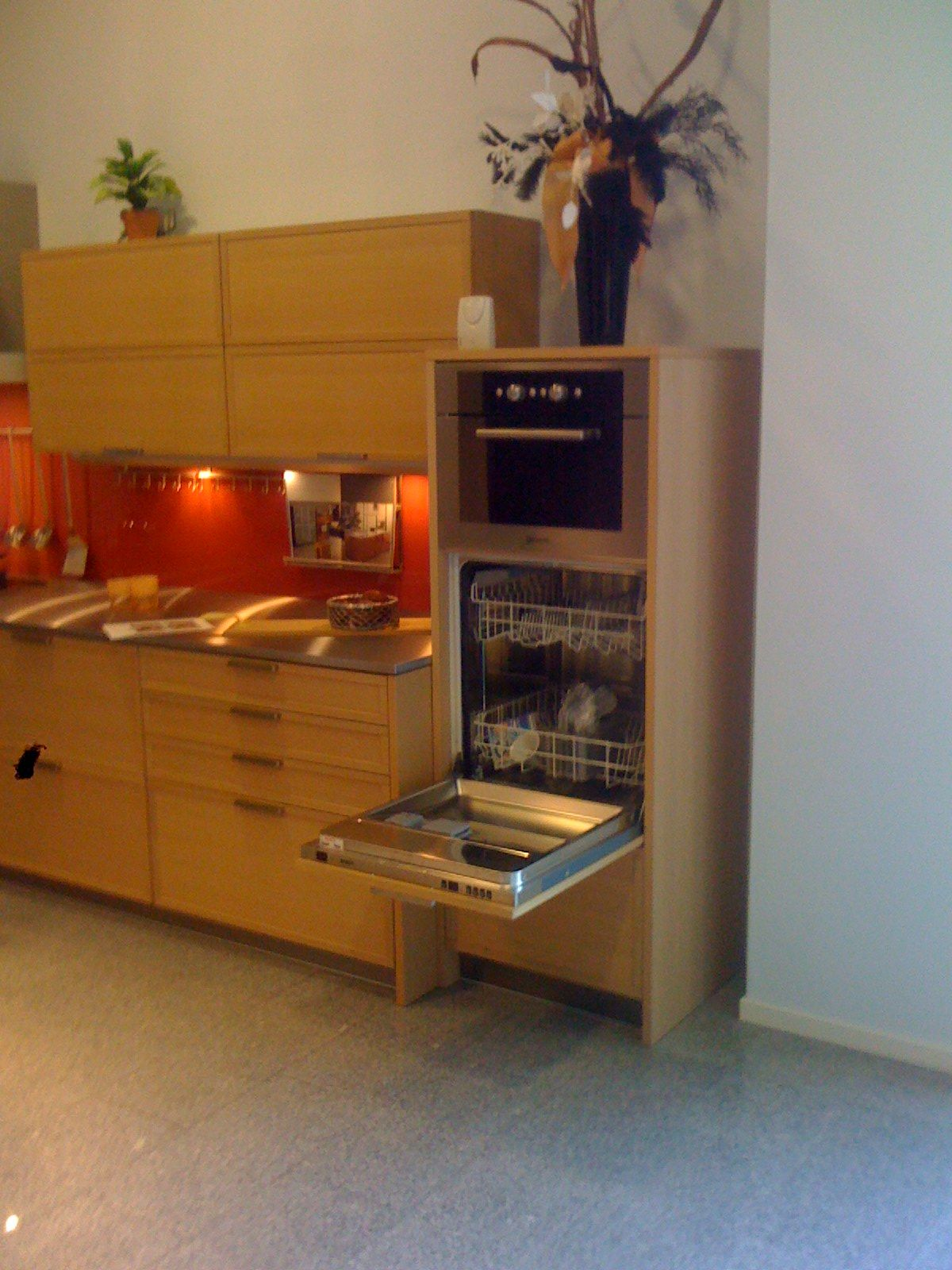 Alle showroomkeuken aanbiedingen uit nederland keukens voor zeer lage - Keuken eiland goedkoop ...