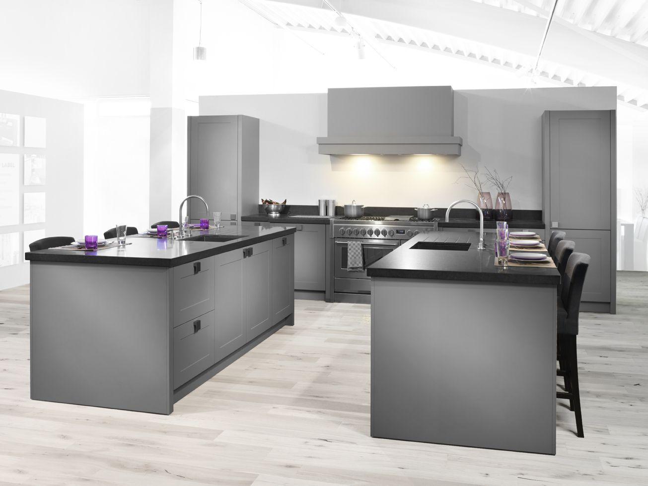 Alle showroomkeuken aanbiedingen uit nederland keukens voor zeer lage - Grote keuken met kookeiland ...