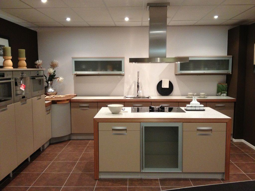 Alle showroomkeuken aanbiedingen uit nederland keukens voor zeer lage - Centrum eiland keuken ...