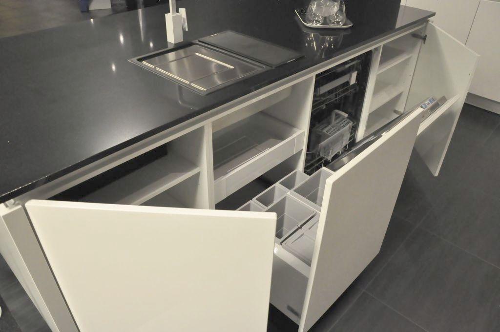 Strakke Keuken Met Eiland : lage keuken prijzen Uiterst strakke Alno keuken met eiland [33565