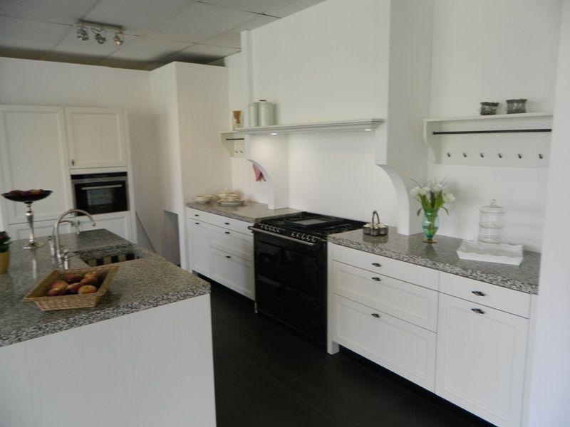 Alle showroomkeuken aanbiedingen uit nederland keukens voor zeer lage - Oude en moderne keuken ...