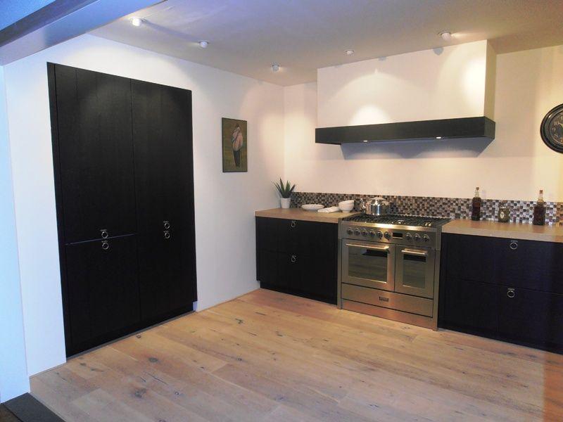 Alle showroomkeuken aanbiedingen uit nederland keukens voor zeer lage - Eiland zwarte bad ...