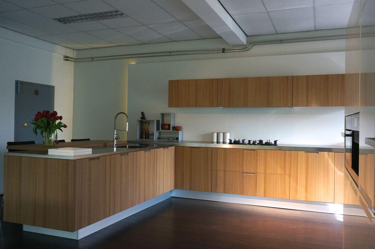 Alle showroomkeuken aanbiedingen uit nederland keukens voor zeer lage - Keuken varenna ...