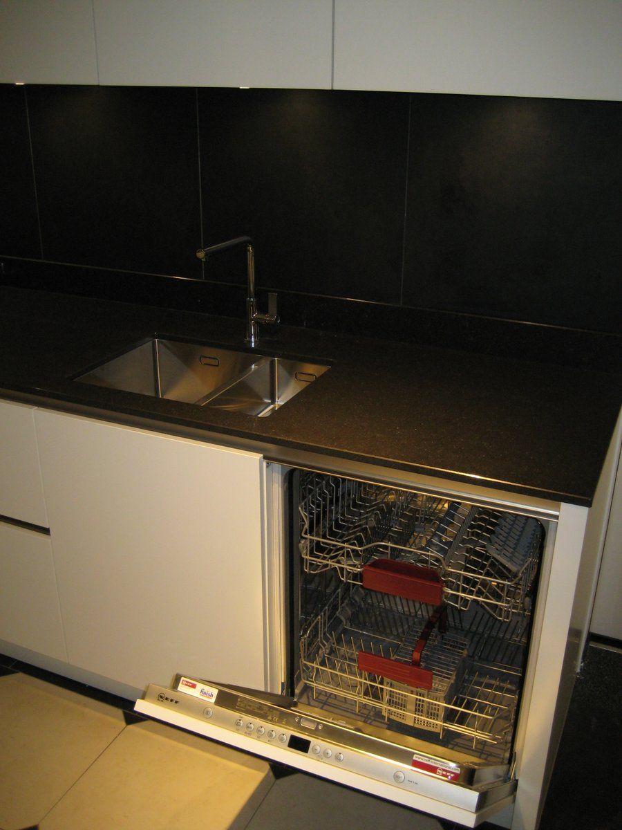 Alle showroomkeuken aanbiedingen uit nederland keukens voor zeer lage - Model keuken wit gelakt ...