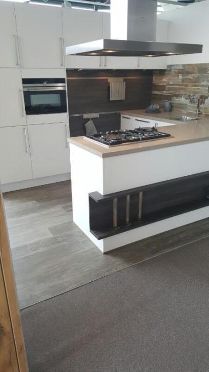 Alle showroomkeuken aanbiedingen uit nederland keukens voor zeer lage - Modele en ingerichte keuken ...